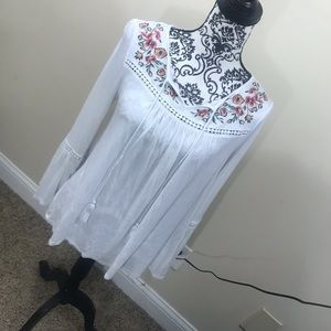 Embroidered Flounce Sleeve Top